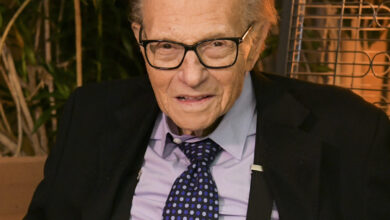 Photo of Larry King – Death, Career & Facts